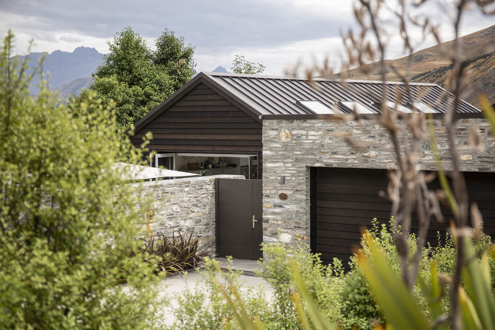 Salmond Architecture Wanaka Lake Hayes House - Entry through trees
